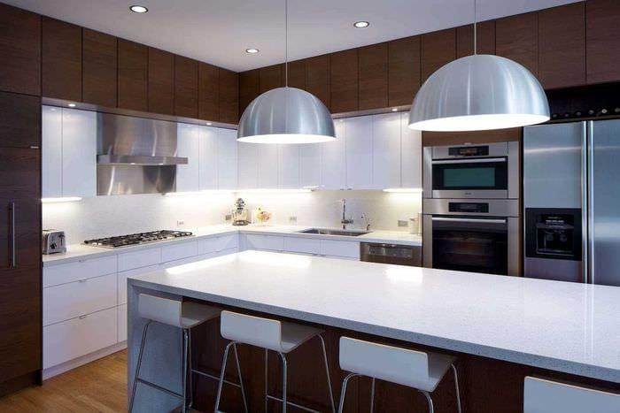 вариант использования необычного интерьера кухни