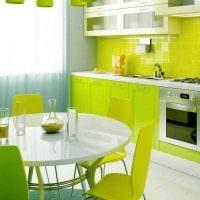 идея применения зеленого цвета в ярком декоре комнаты картинка