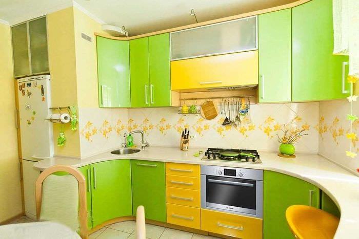 идея применения зеленого цвета в красивом дизайне квартиры