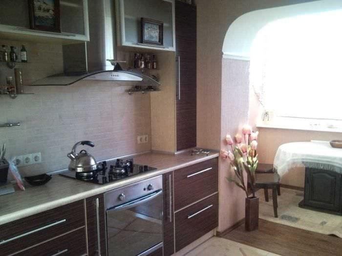 вариант необычного стиля кухни 9 кв.м