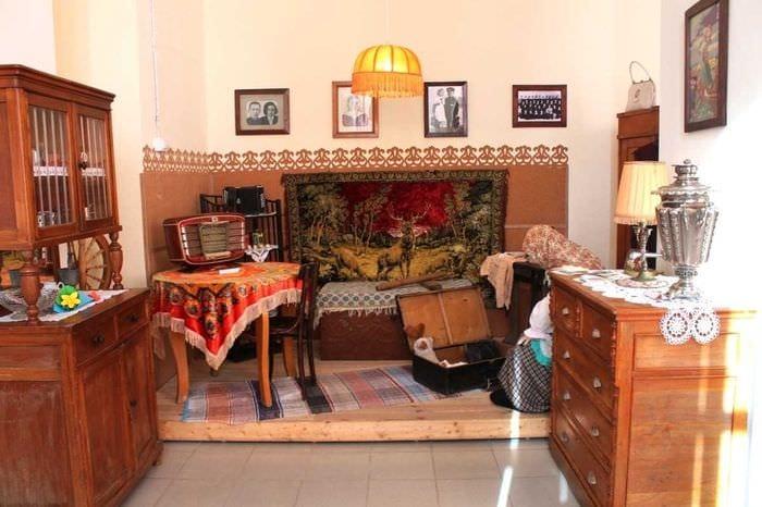 идея интересного стиля комнаты в советском стиле