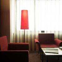 вариант интересного декора комнаты в советском стиле фото
