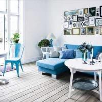 идея применения необычного голубого цвета в стиле дома фото