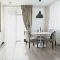 идея применения светлого ламината в ярком стиле квартиры фото