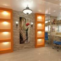 идея использования светового дизайна в красивом интерьере дома картинка