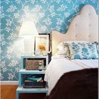 вариант применения необычного голубого цвета в дизайне комнаты фото