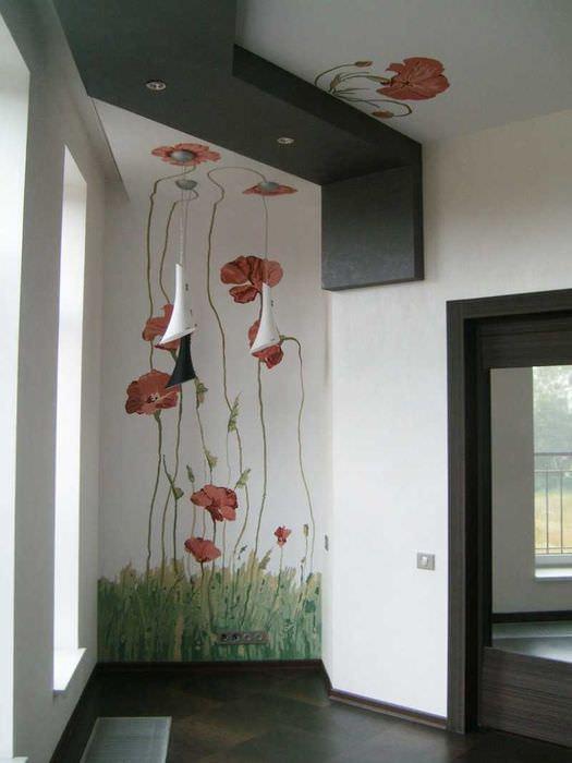 идея яркого декора дома с росписью стен