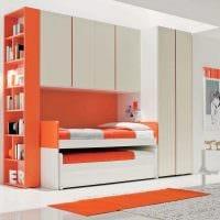 идея светлого дизайна маленькой комнаты картинка
