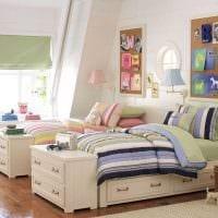 вариант яркого стиля детской комнаты для двоих девочек картинка