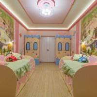 идея светлого декора детской для двоих девочек картинка