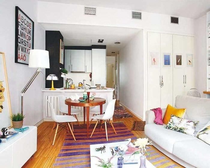 идея необычного стиля малогабаритной комнаты