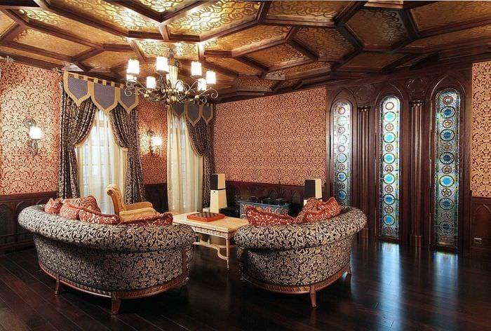 идея необычного дизайна квартиры в романском стиле