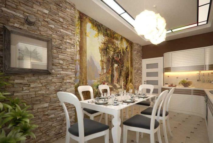 вариант яркого интерьера квартиры с росписью стен