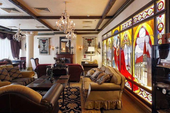 вариант светлого стиля дома в романском стиле