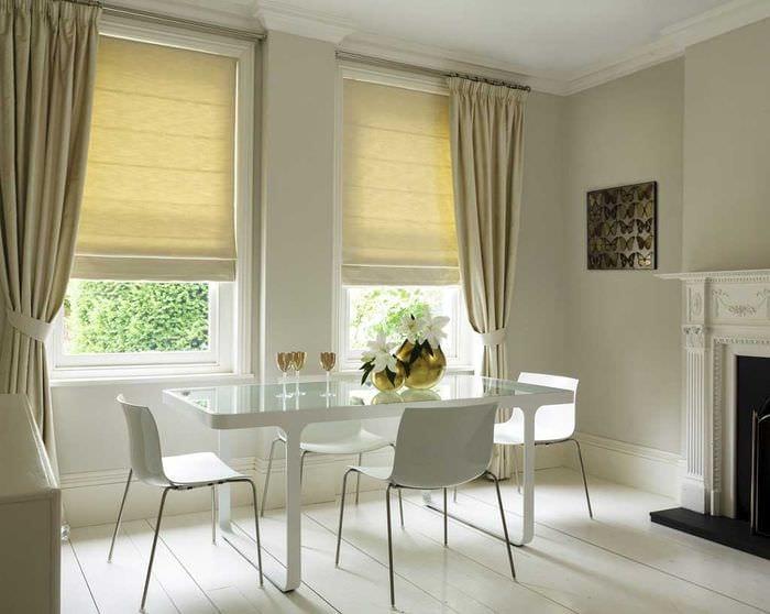 вариант применения современных штор в светлом дизайне квартире