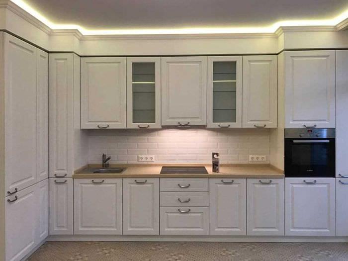 идея использования яркого стиля кухни