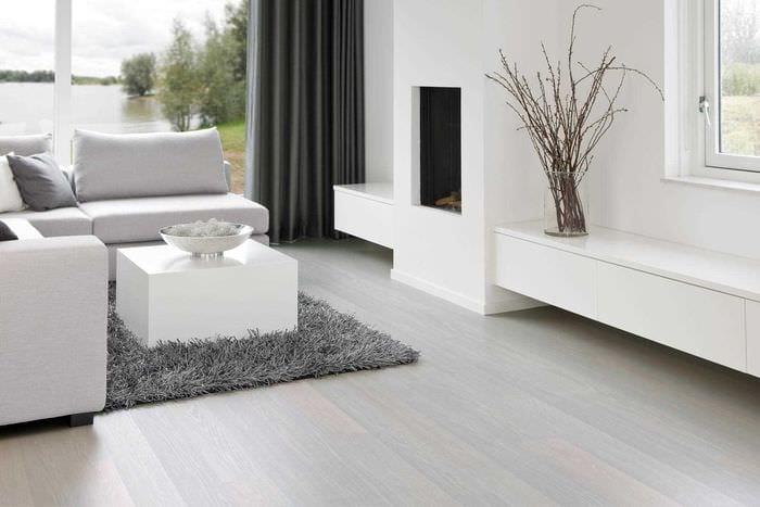 идея применения светлого ламината в красивом декоре квартиры