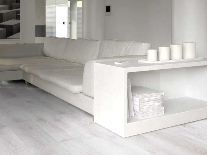 идея применения светлого ламината в красивом стиле квартиры