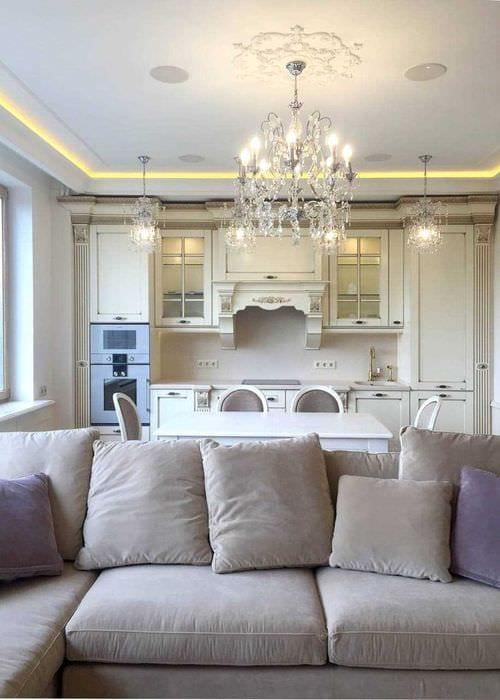 вариант применения светового дизайна в необычном интерьере дома