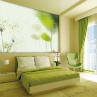 вариант использования зеленого цвета в ярком интерьере комнаты фото