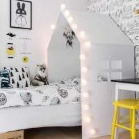 вариант красивого декора маленькой комнаты фото