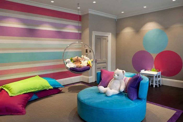 идея красивого дизайна спальни для девочки в современном стиле