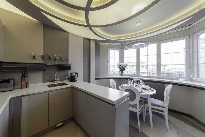 вариант необычного декора кухни 14 кв.м