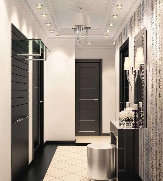 идея яркого стиля современной прихожей комнаты