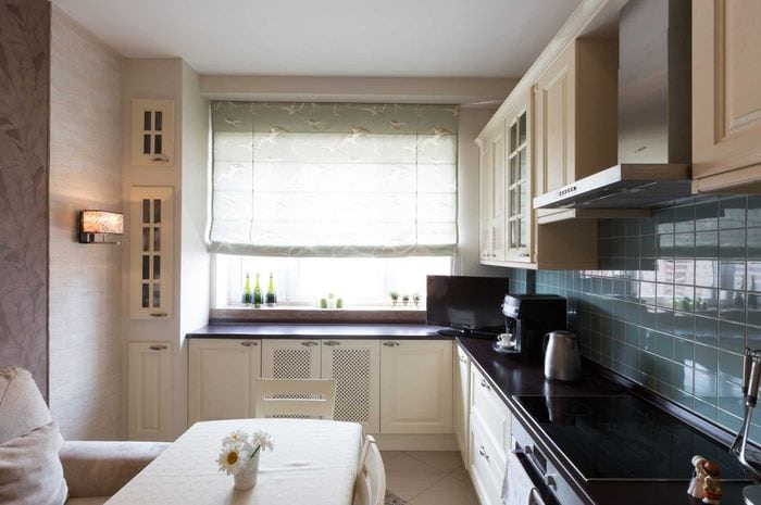 вариант необычного дизайна кухни 14 кв.м