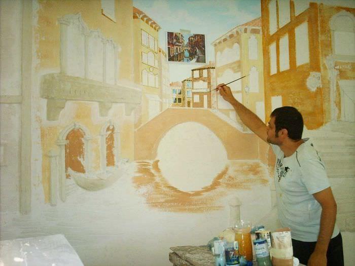 мысль необыкновенного образа квартиры с росписью стен