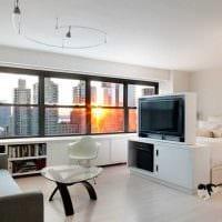 вариант яркого интерьера двухкомнатной квартиры фото