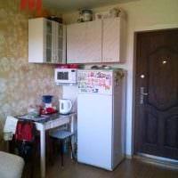 вариант яркого интерьера маленькой комнаты в общежитии фото