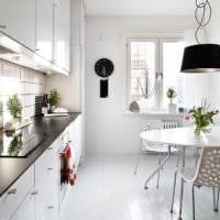 белые тона дизайн малогабаритной кухни