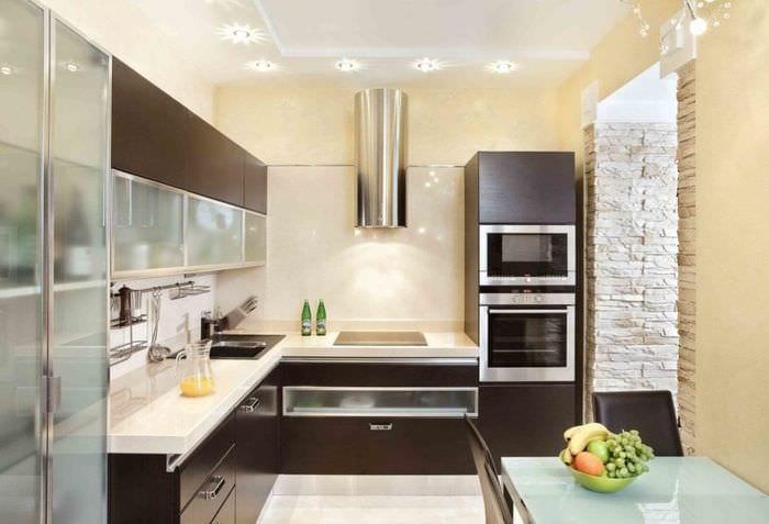 каменная отделка кухни