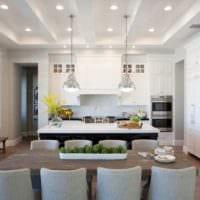 кухня столовая светлый интерьер