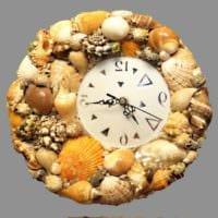 декор из ракушек часы