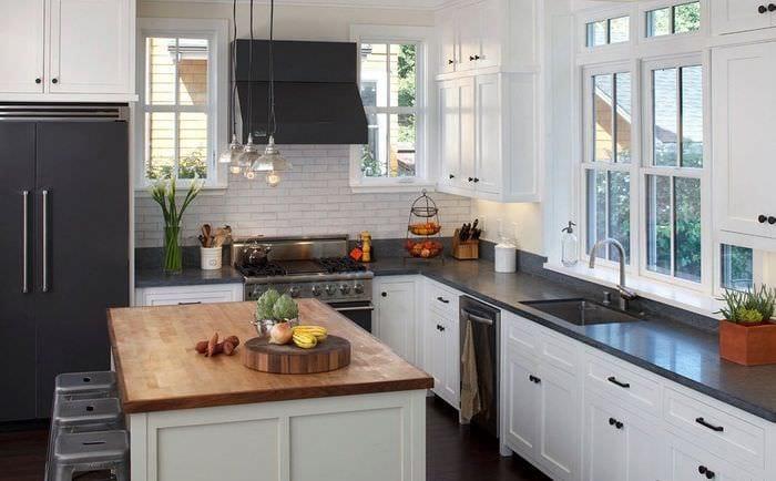 дизайн интерьера кухни на даче