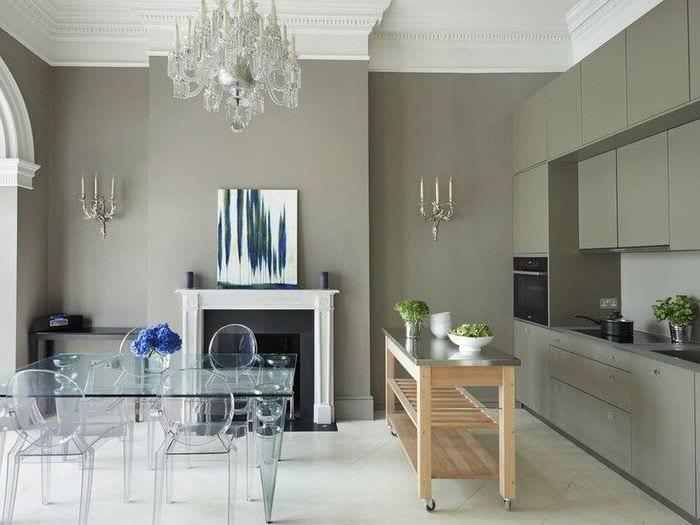 прозрачная мебель на кухне столовой