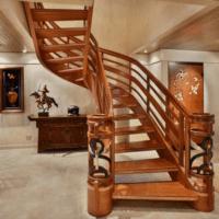 дизайн лестницы в доме из дерева фото