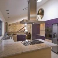 кухня 5 кв метров с фиолетовым гарнитуром
