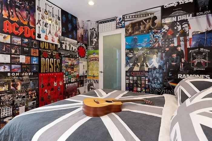 постеры в комнате подростка
