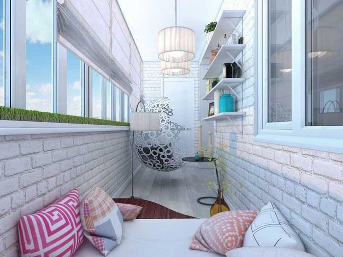 """Оригинальное оформление балкона в светлых тонах"""" - карточка ."""