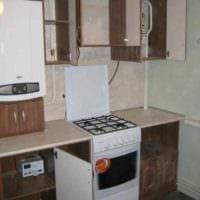 идея необычного декора кухни с газовой колонкой картинка