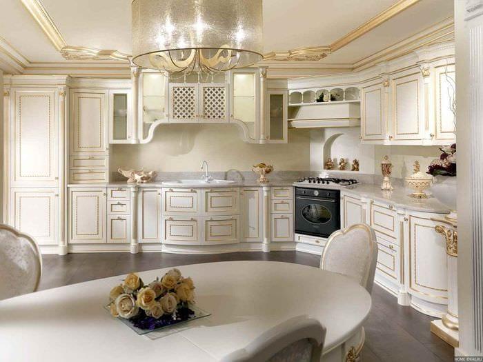 идея яркого дизайна кухни в классическом стиле