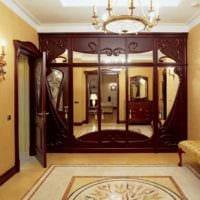пример необычного декора прихожей с зеркалами картинка