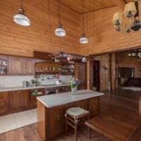 вариант красивого дизайна кухни в деревянном доме картинка