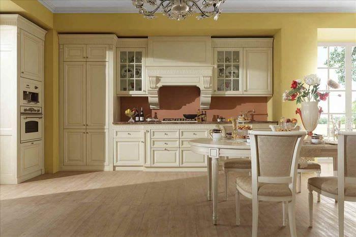 пример красивого стиля кухни в классическом стиле
