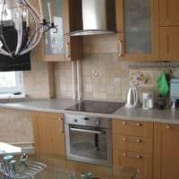 пример необычного декора кухни с газовой колонкой картинка
