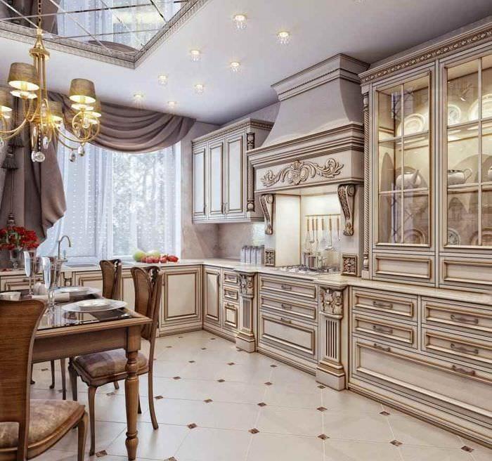 вариант необычного интерьера кухни в классическом стиле