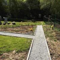 идея использования оригинальных садовых дорожек картинка